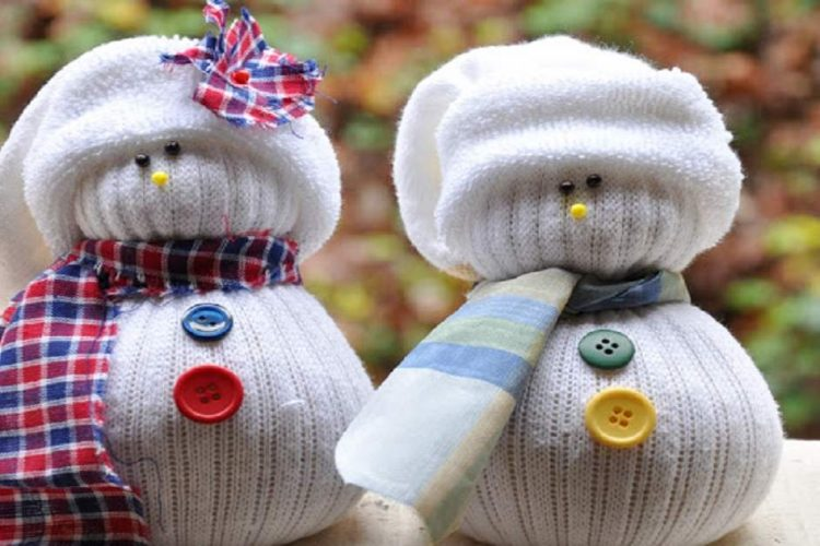 Christmas-Sock-Snowmen-Craft-750x500.jpg